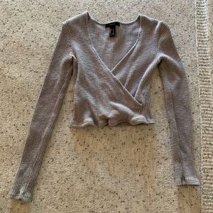 Gray crop top long sleeve